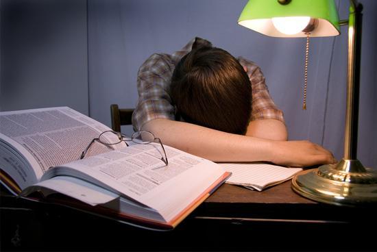 Страшная усталость сломила студента