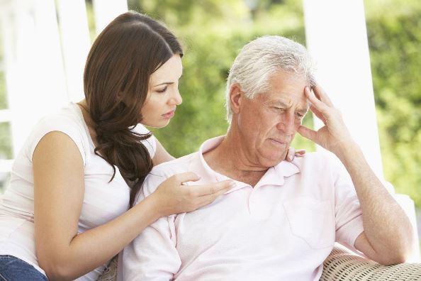 Дочь общается со своим отцом